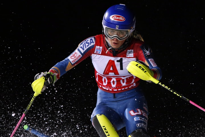 mikaela shiffrin female athletes