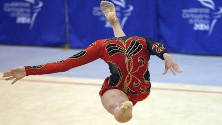 perfectly timed sports photos gymnastics