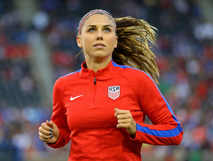 female athletes soccer alex morgan