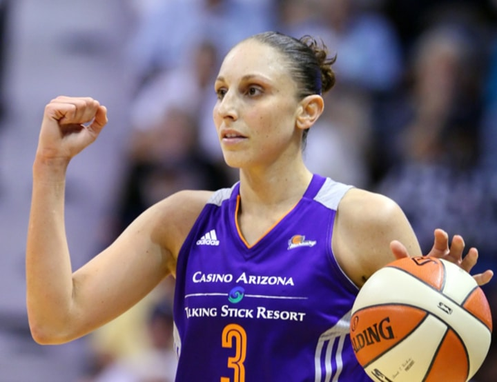 Diana Taurasi basketball female athletes