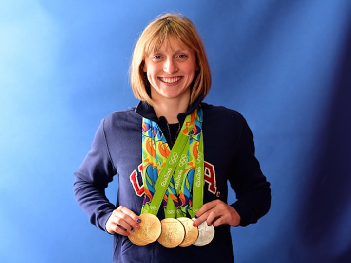 katie ledecky female athlete swimming