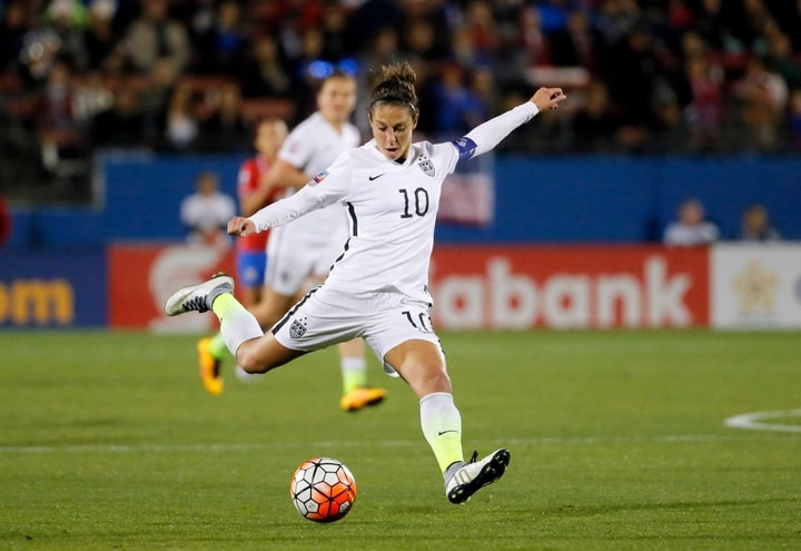 carli lloyd soccer player female athletes