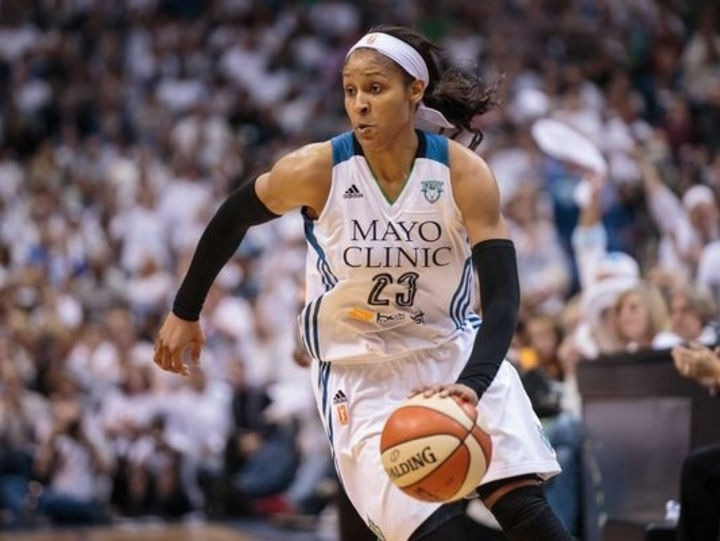 female athletes maya moore basketball